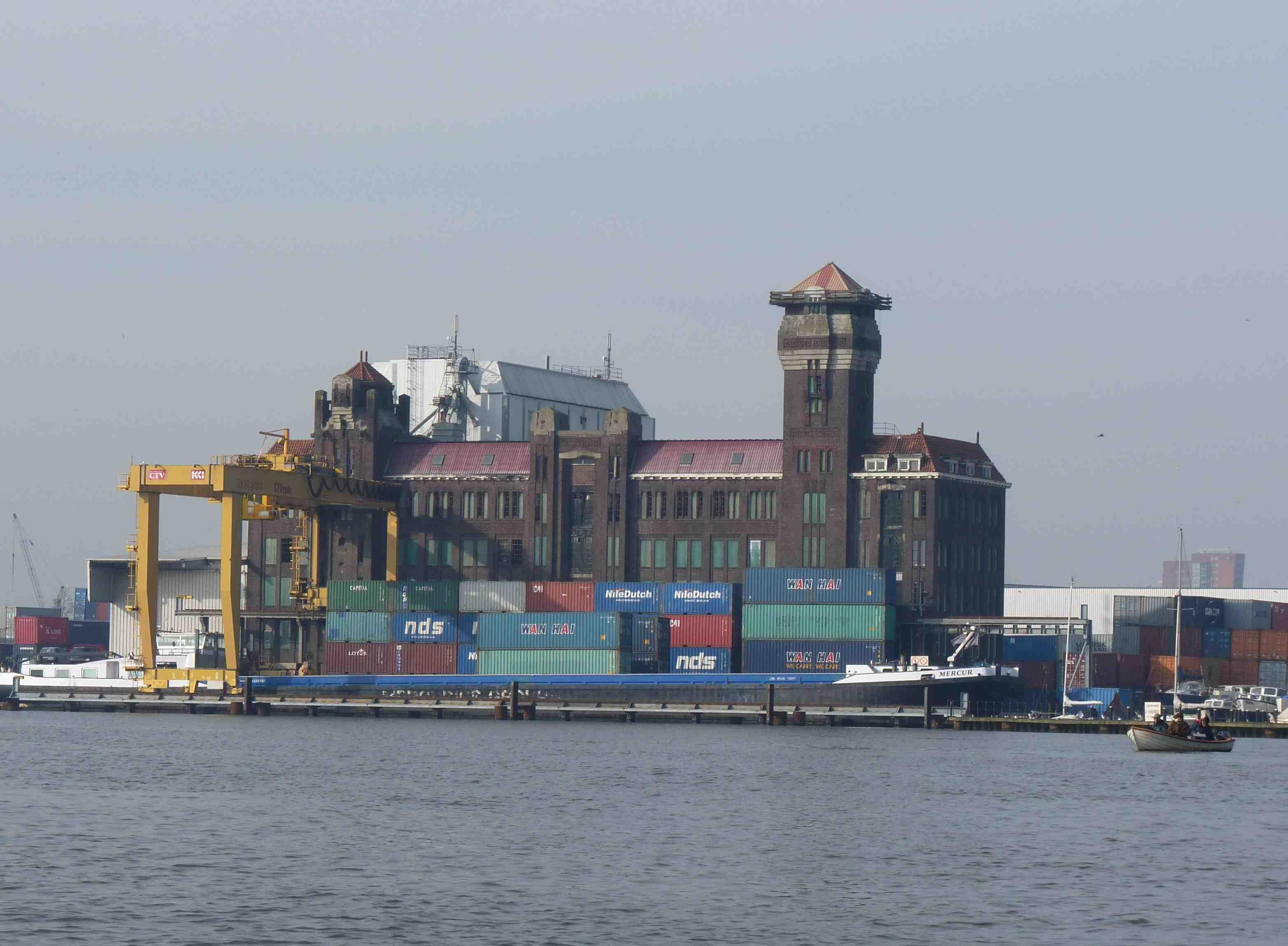 dans le port d amsterdam in the port of amsterdam chroniques erratiques d une emmerdeuse