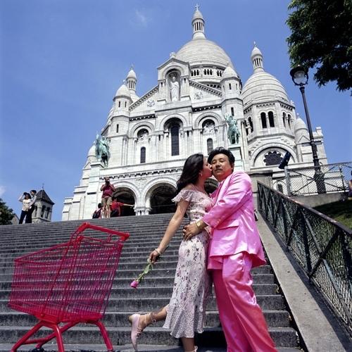 Manit Sriwanishpoom, Pink man in paradise : Sacré-coeur, 2002-2003.